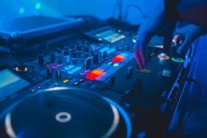DJ בחתונה